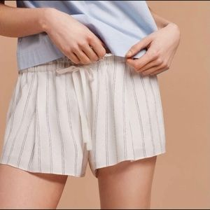 Wilfred (Aritzia) 'Montrouge' Paperbag Waist Short